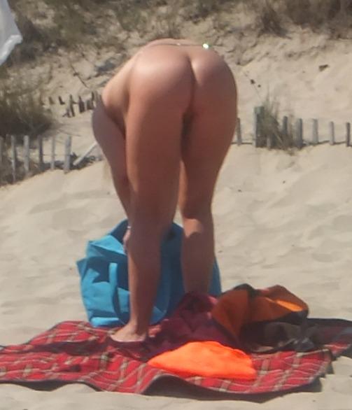 Culi Nudi Femminismo Di Merda Tette Nude Ufficio